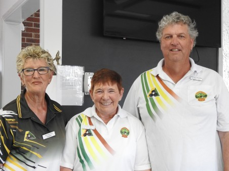Winners, Margaret Beechey and Wayne Frazer (S).