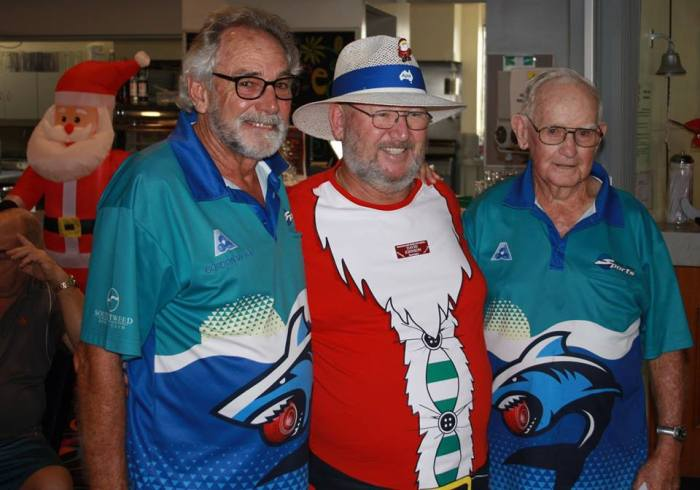 M.Bramley and G.Wood from Tweed Heads won on a count back with 4 + 33 and received their rewards from APIA Ins. Rep. David Johnson.